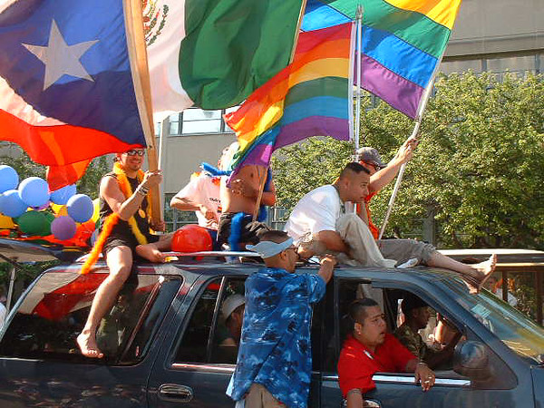 Pride Parade 2001-28.jpg