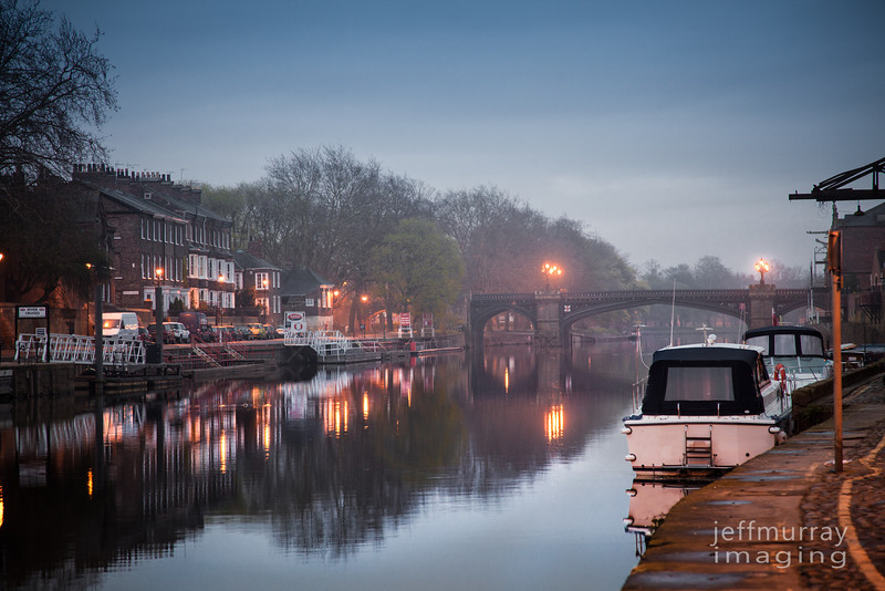 A closer view of the foggy River Ouse.
