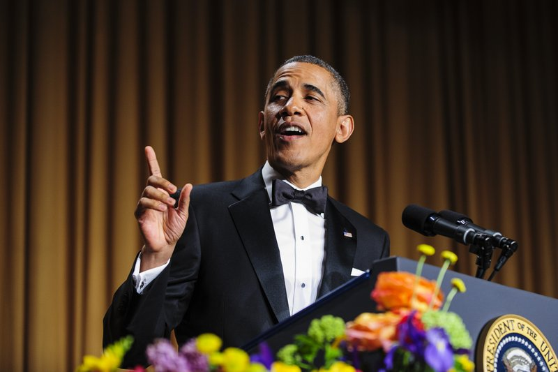 """. <p><b> A new analysis estimates that more than 55 percent of President Obama�s Twitter followers are � </b> <p> A. Fake  <p> B. Democrats  <p> C. Also following at least five Kardashians  <p><b><a href=\'http://nation.foxnews.com/2013/09/22/55-obama%E2%80%99s-twitter-followers-are-fake\' target=\""""_blank\"""">HUH?</a></b> <p>   (Pete Marovich/Bloomberg)"""