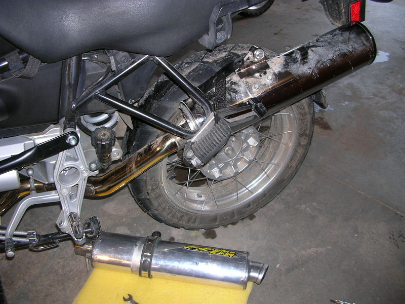 Two Brothers Racing Y-pipe + stock can 003.jpg