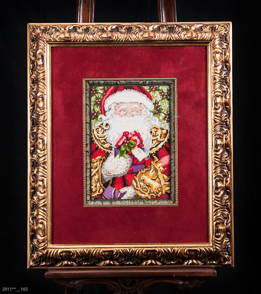 Live Santa-001.jpg