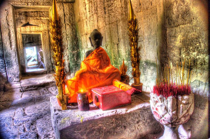 CambodiaTempleBudhawithIncenseDSC_4991_2_3.jpg