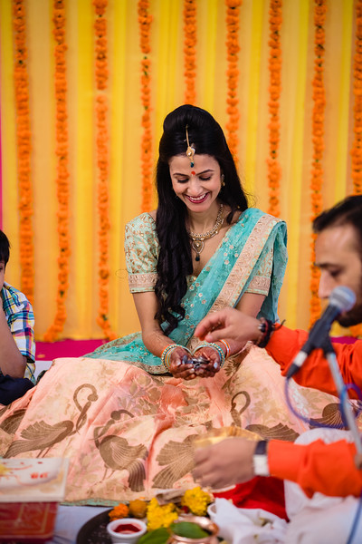 Candid Wedding Photographer Ahmedabad-1-48.jpg