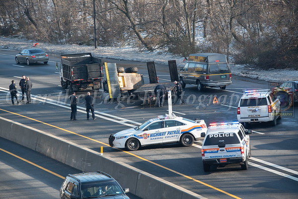 Jericho Overturned Truck on the LIE 12/21/2020