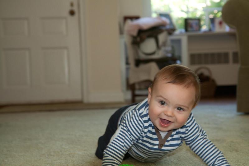 Hey Pop, I'm crawling!!!!!