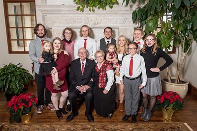 Jesperson's extended Family Portraits Dec 2018