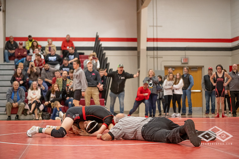Wrestling at Granite City-09189.jpg
