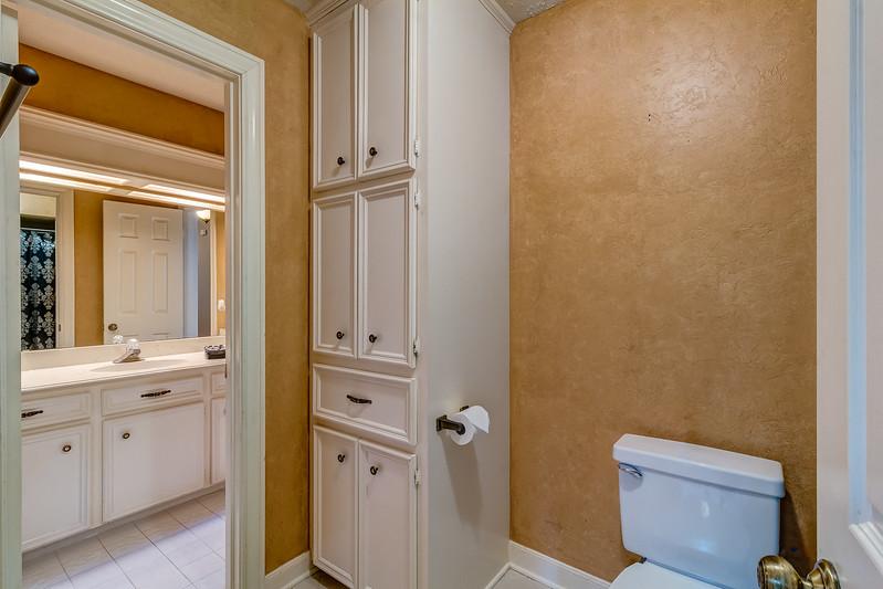Jack-and-Jill-Bathroom