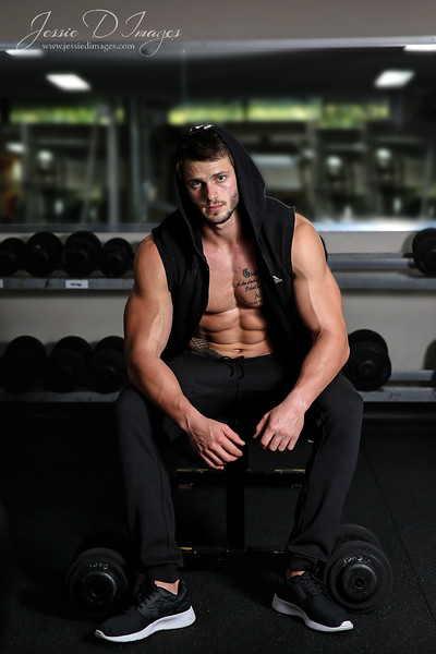 Fitness session - gym session - balance gym - fitness photography - weights 3.jpg