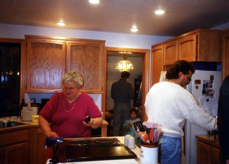 Christine, Linda018.jpg