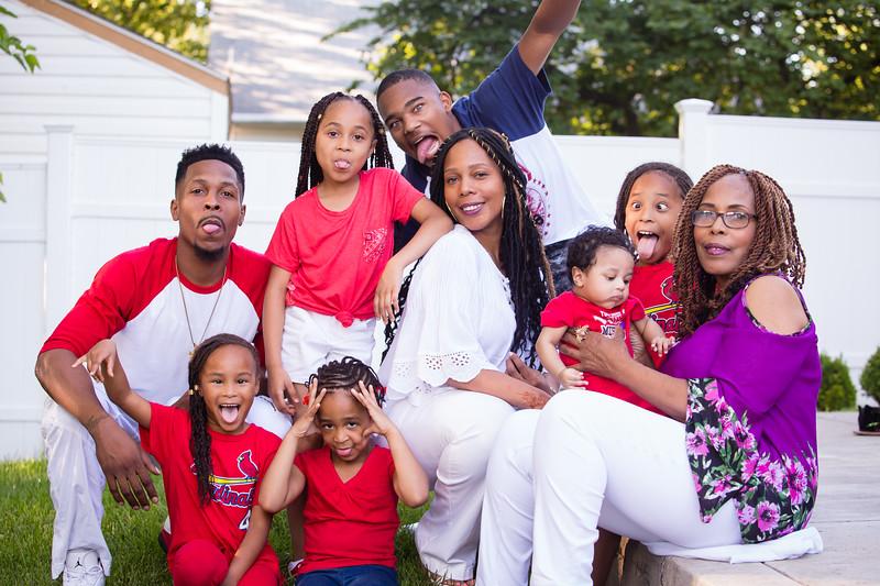 Trinetta & Family-6050.jpg