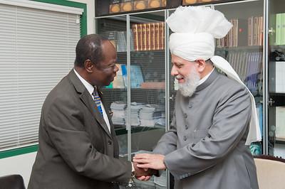 Ambassador of Ghana to the United States calls on Khalifa of Islam