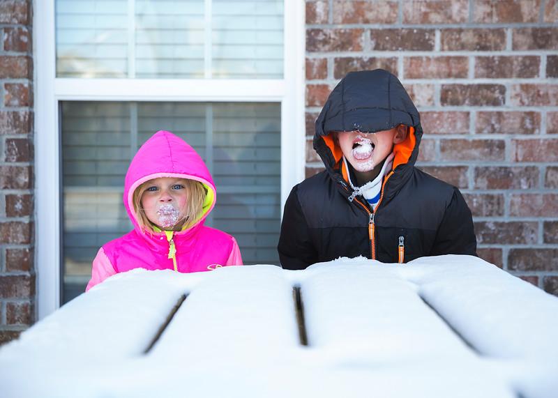 Snow & front door light - 19.jpg