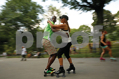 freewheeling-camaraderie-in-central-park