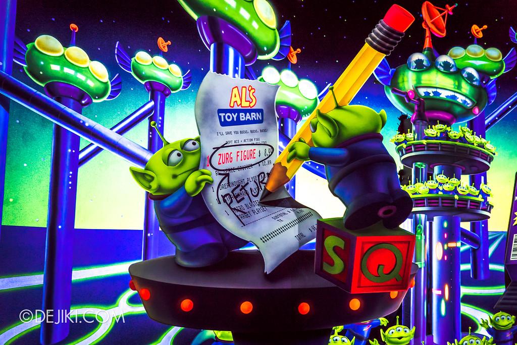 Hong Kong Disneyland Buzz Lightyear Astro Blasters Last Mission - Ending Scene, Al's Toy Barn receipt