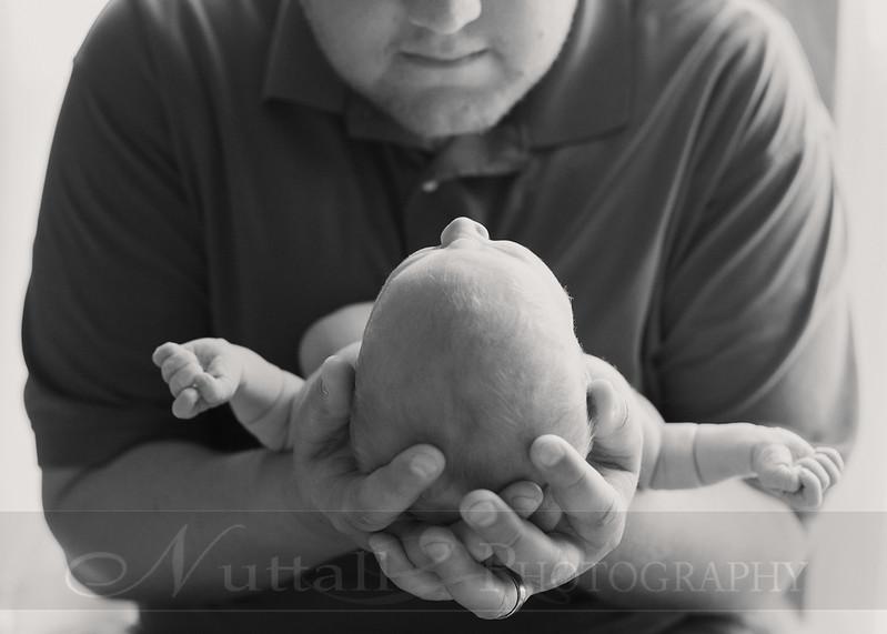 Natalie Newborn 15bw.jpg
