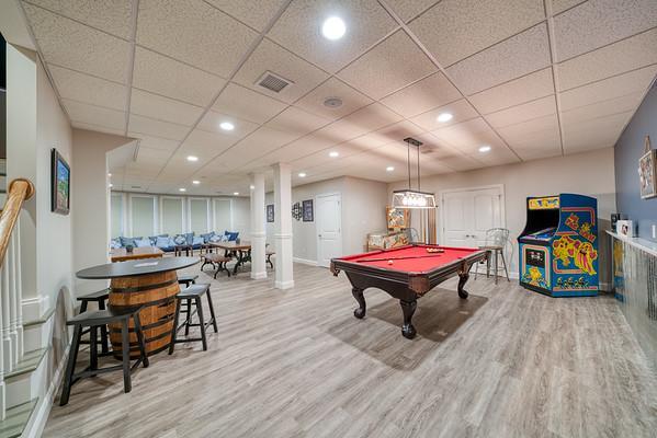 Mirando basement 2019