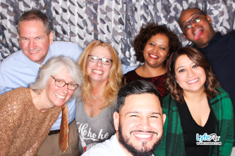 red-hawk-2017-holiday-party-beltsville-maryland-sheraton-photo-booth-0260.jpg