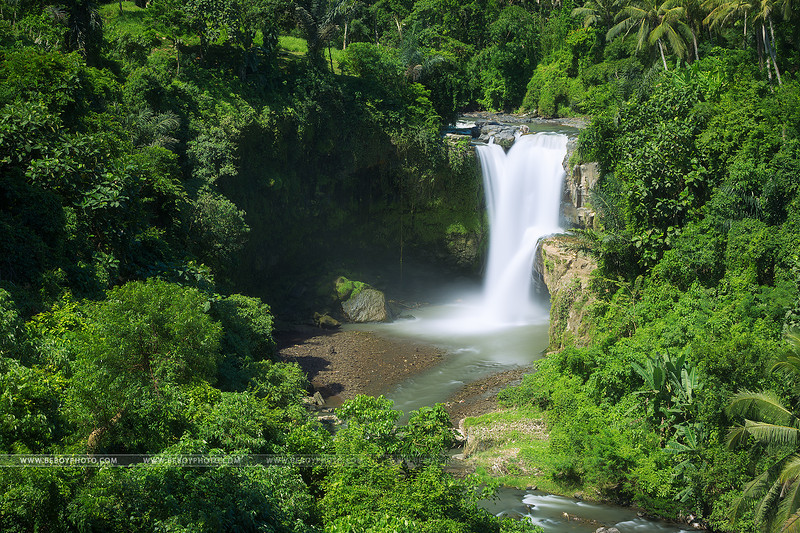 Cascade de Tegenungan. Un jardin d'Eden presque parfait.
