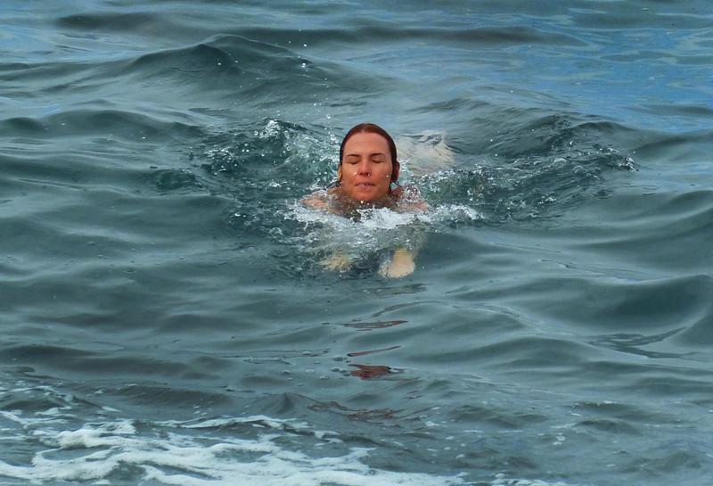 Leslie swimming at Kahaluu Beach Park.