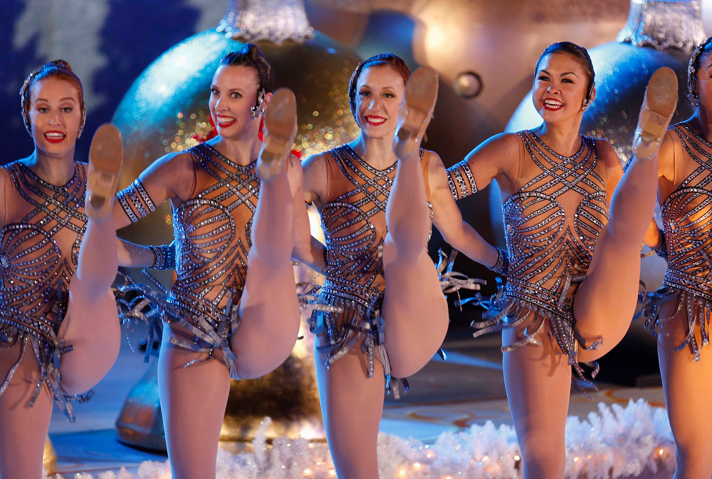 . The Rockettes perform during the 80th Annual Rockefeller Center Christmas Tree Lighting Ceremony in New York, November 28, 2012. REUTERS/Carlo Allegri