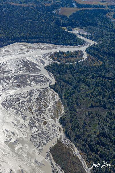 Rust's_Beluga Lake__6100726-2-Juno Kim.jpg