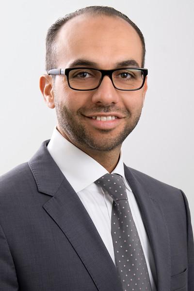 Almadhoun, Osama
