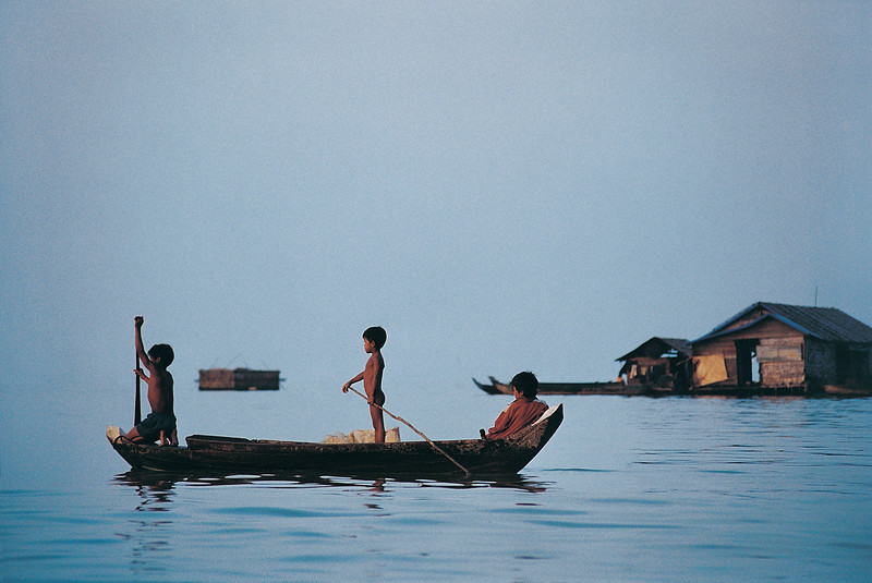 People on Boats, Tonle Sap Lake (Cambodia)