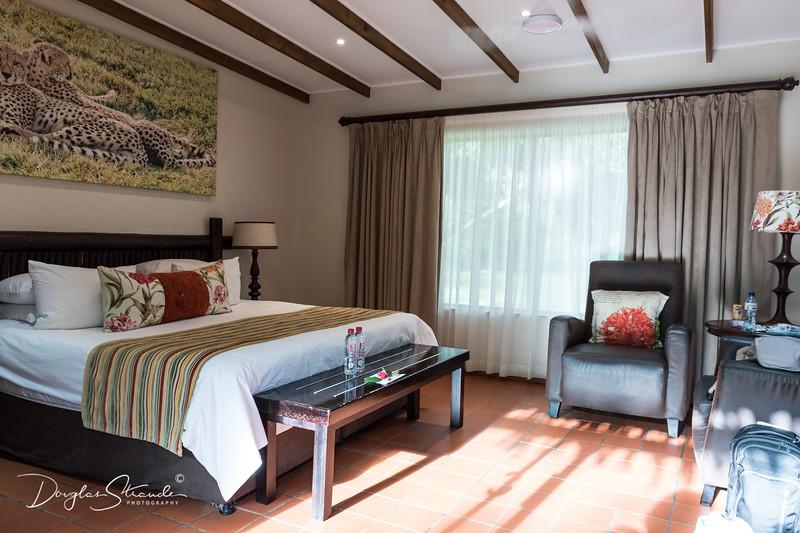 Emdoneni Lodge room