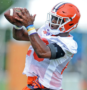 Clemson Tigers Open Fall Practice