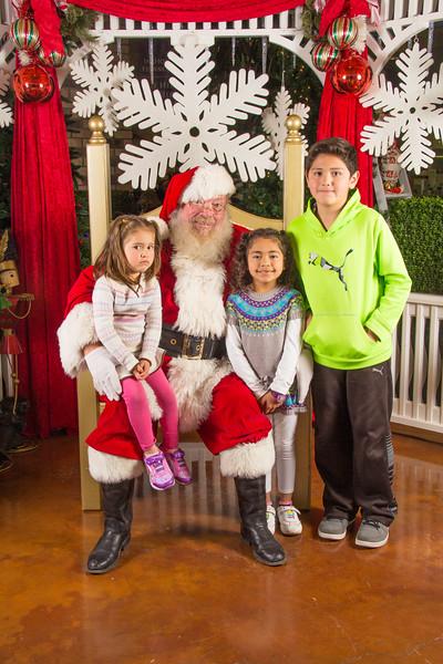 Santa 12-16-17-179.jpg