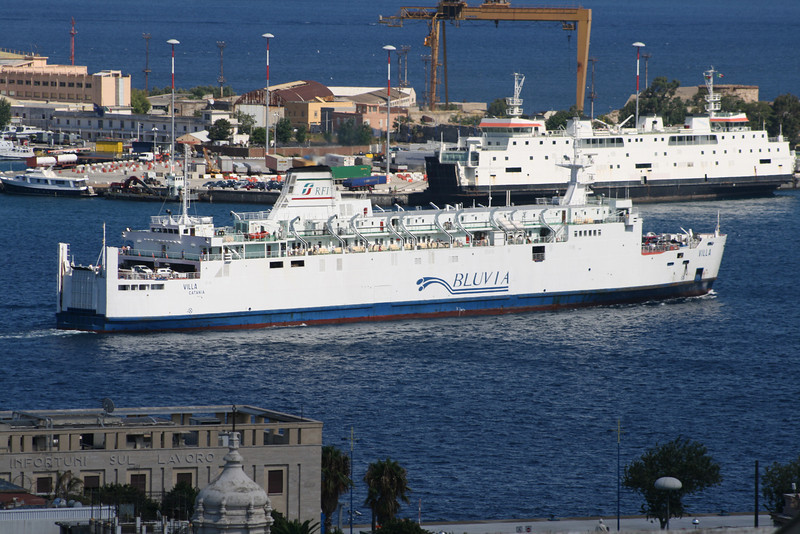 2010 - Trainferry VILLA arriving to Messina.
