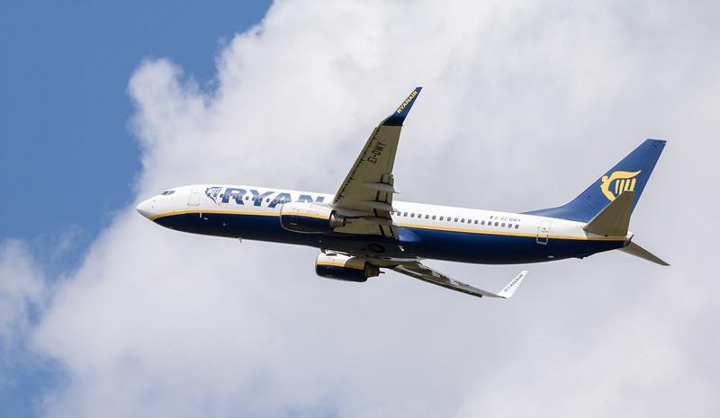 Boeing 737-8AS (EI-DWY)