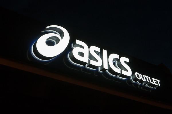 Asics Sign