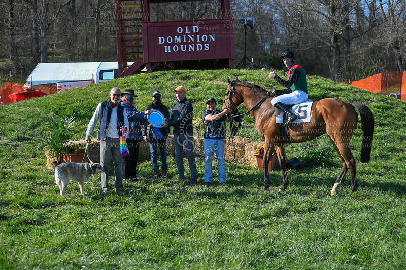 10th Race Purse $2,000 The Leeds Manor    Virginia Bred, Sired or Certif
