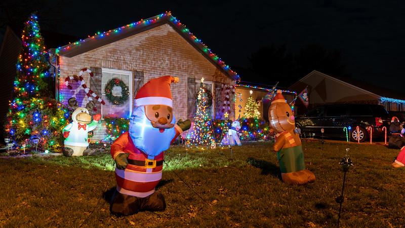 logan-elm-village-christmas-lights-108.jpg