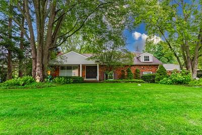 6791 Spruce Dr Bloomfield Hills, MI, United States