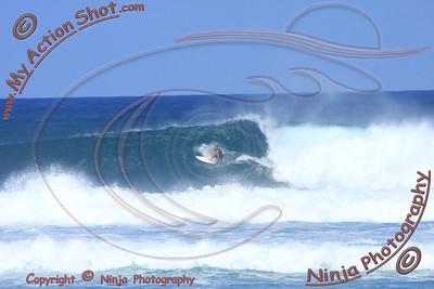 <font color=#F75D59>2010_12_08 (10-11am) - Surfing Laniakea, NORTH SHORE</font>