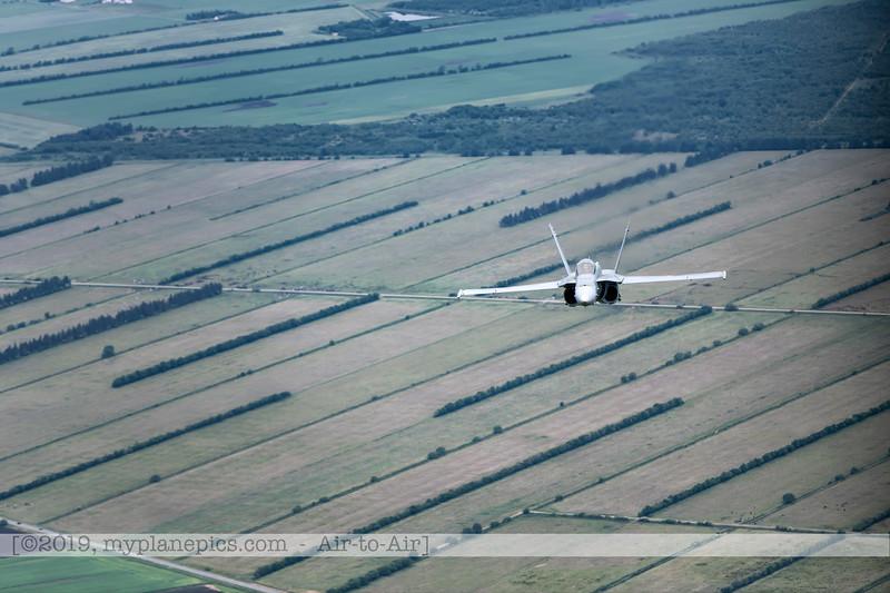 F20180609a112502_2119-F-18A Hornet-J-5020-Suisse-Demo-a2a-Aalborg,Danemark.JPG