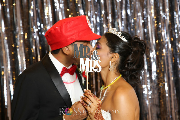 Ria & Vinni Wedding Photo Booth