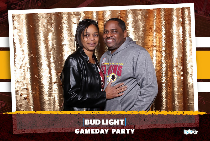washington-redskins-philadelphia-eagles-football-bud-light-photobooth-20181203-185156.jpg