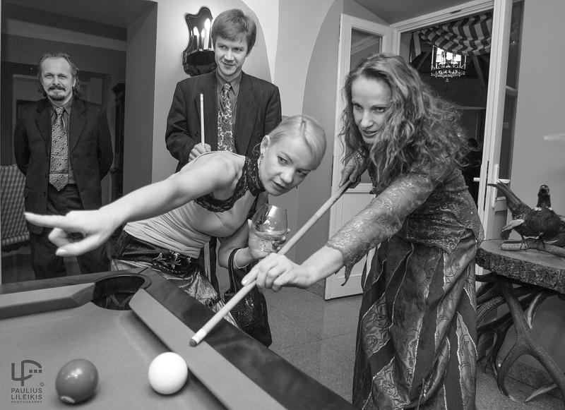Antram plane - fotografas Laimis Brundza ir Naglis Šulija, Rasa Karmazaitė (kairiau) ir Laima Lavaste.