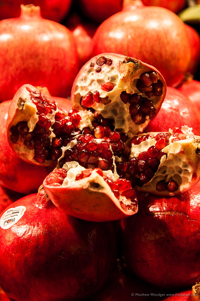Woodget-141218-004--fruit, market, pomegranate, red.jpg