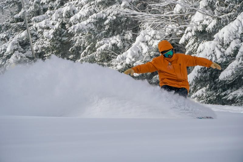 Snowboard Powder 2.jpg
