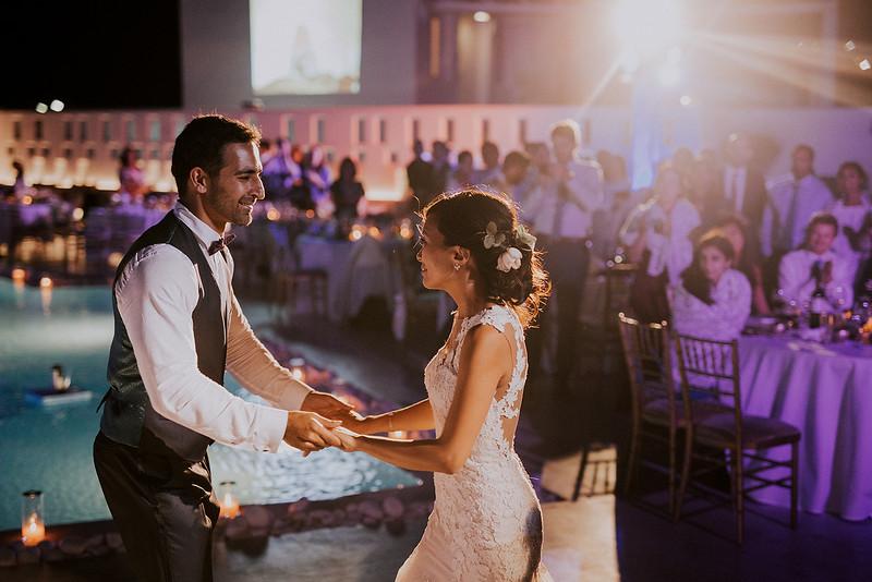 Tu-Nguyen-Destination-Wedding-Photographer-Santorini-Rocabella-Hotel-Euna-Ehsan-842.jpg