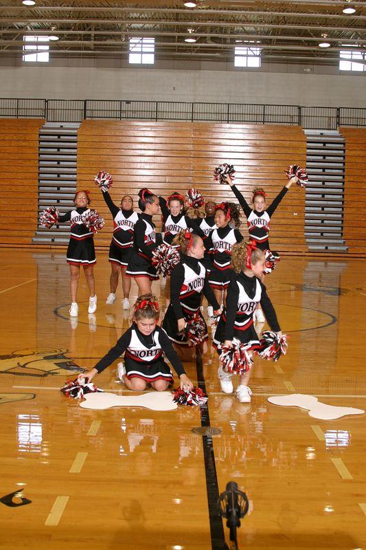 North Gwinnett East(Cheer-off 5th grade 10-3-04)