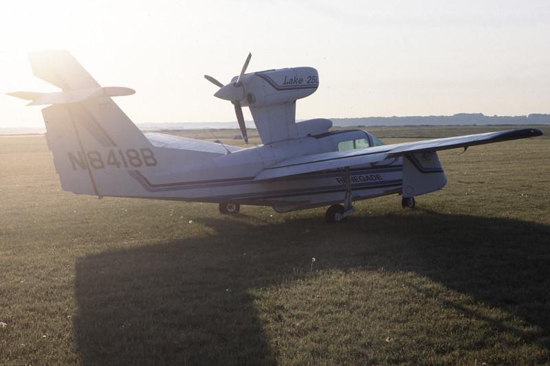 N8418B-LakeLA-250Renegade-Private-EKSB-2000-05-15-HF-47-KBVPCollection.jpg