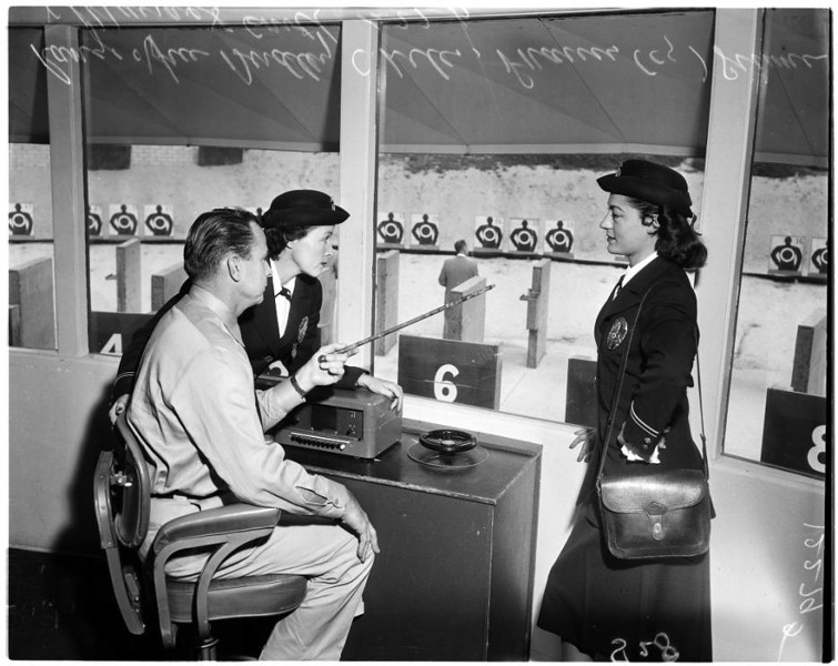 Police_women_feature_1957-2.jpg
