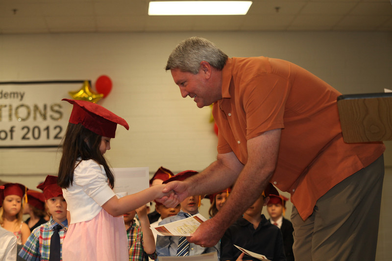 2012May18_MTA Kinder Grad_9736.JPG