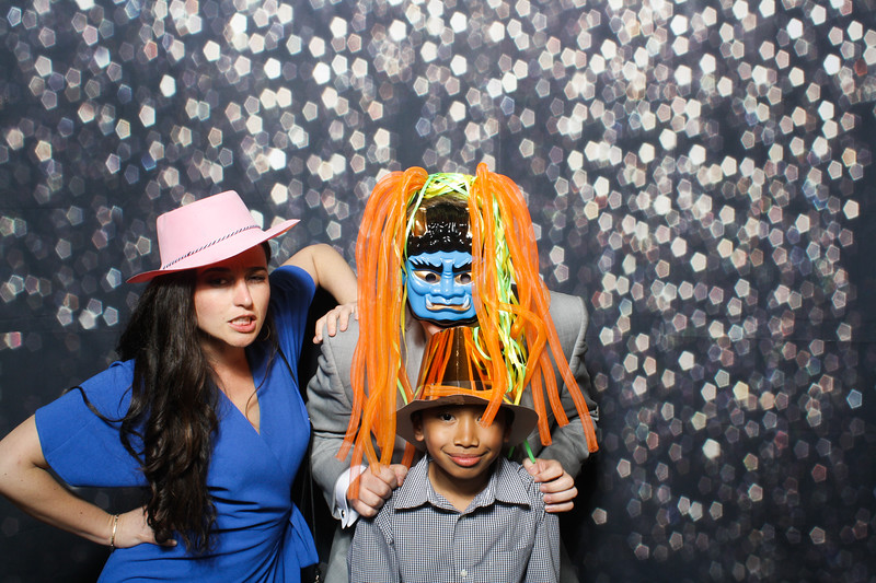 SavannahRyanWeddingPhotobooth-0053.jpg